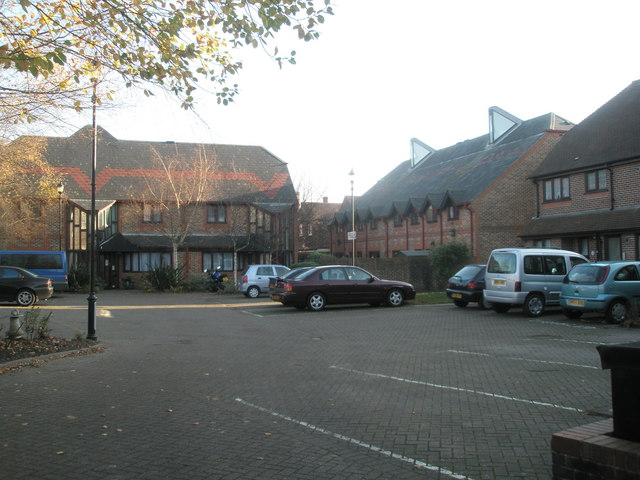 Attractive flats behind Union Road