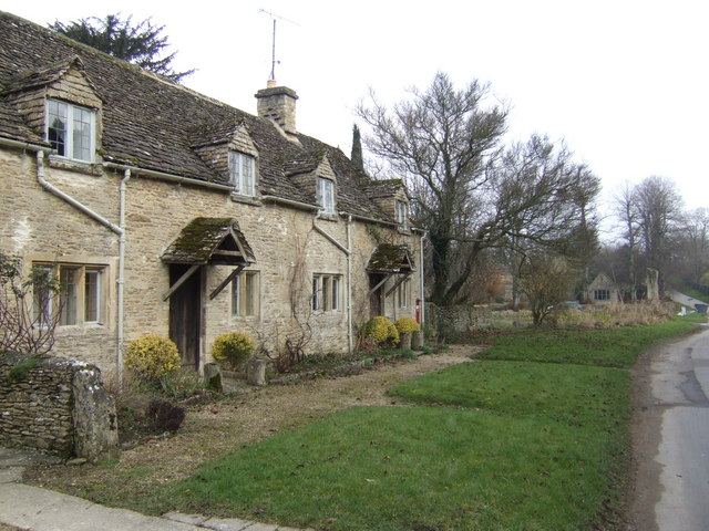Cottages in Westwell