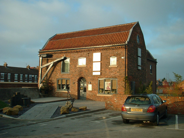 The Old Despatch Building of Hall's Barton Ropery
