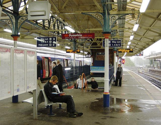 Platforms 2 & 3, Basingstoke Station