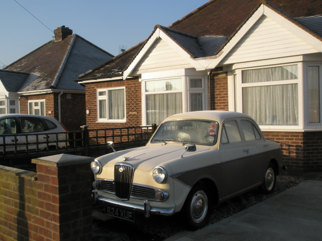 Lovely old car in Ingledene Close
