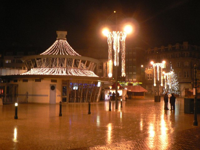 Bournemouth: Christmas time at The Square