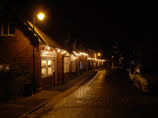 Beaulieu High Street by night