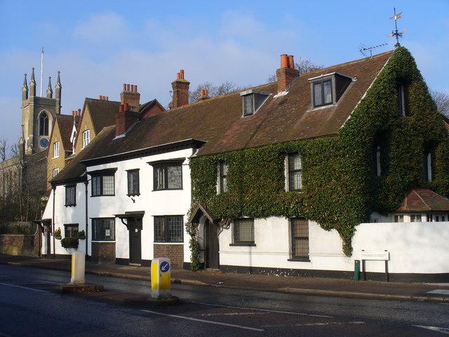 Cottages on Thames Street