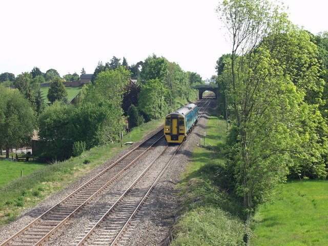 Shrewsbury to Chester train at Pentre