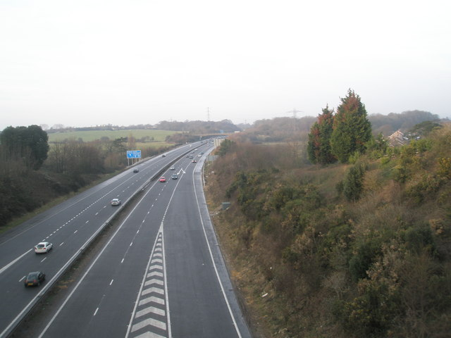 Looking north from bridge in Portsdown Hill Road over the A3 (M)