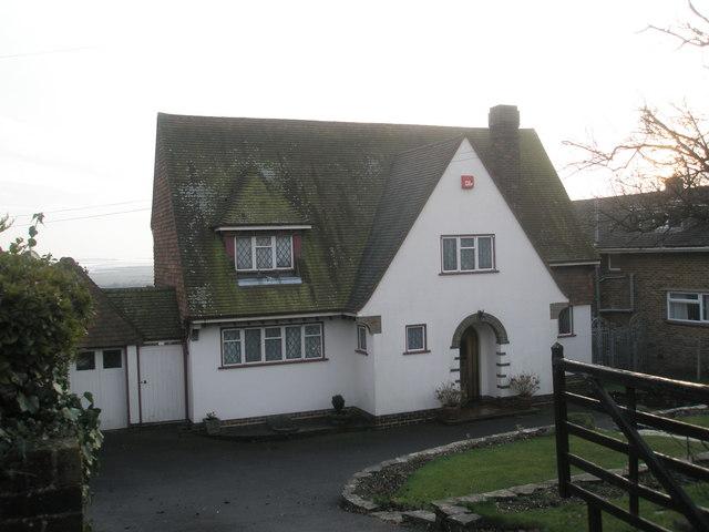 Detached house in Portsdown Hill Road