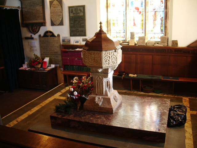 St Kentigern's Parish Church, Crosthwaite, Keswick, Font