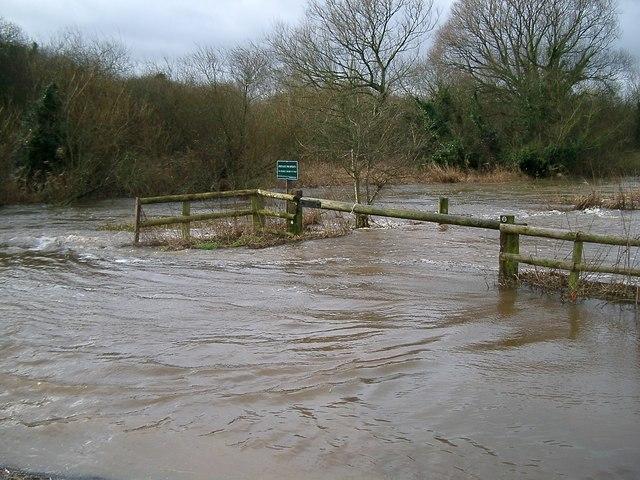 Frome Bridge parking area