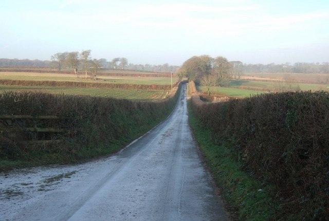 Lane past Hollyvag