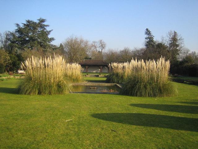 Canons Park: The George V Memorial Garden