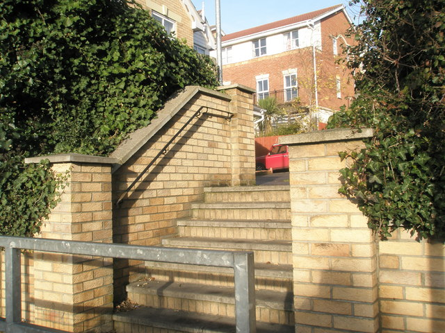 Steps through to Acorn Close