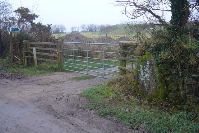 Footpath to Baccamore Waste