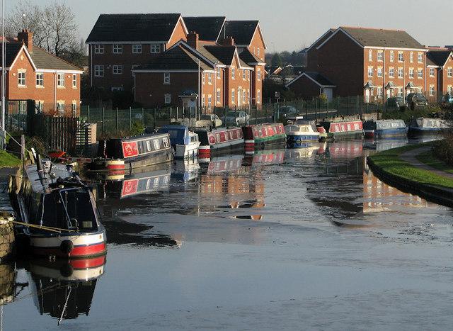 Leeds - Liverpool Canal at Appley Bridge