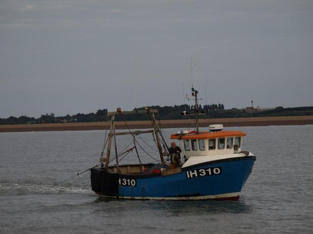 Trawler in Hollesley Bay