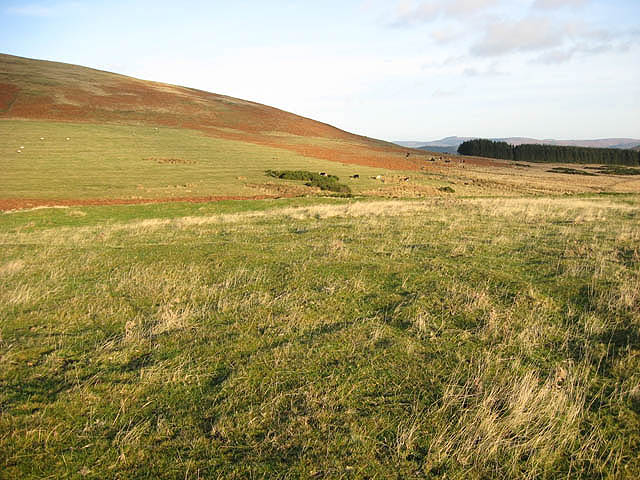 A settlement south-southeast of Old Fawdon Hill
