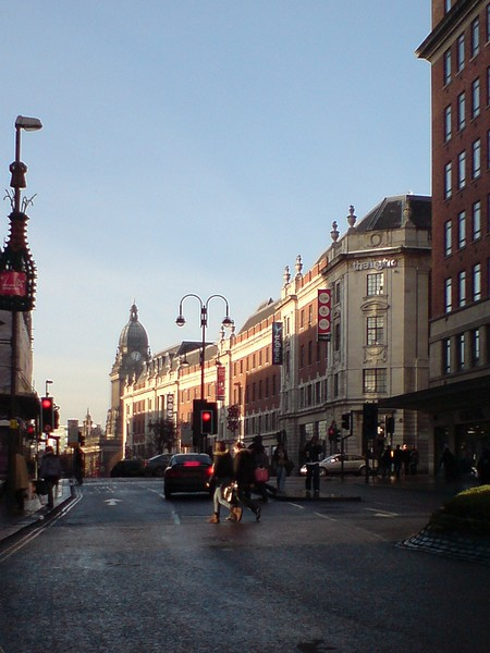 The Headrow, Sunday morning in December