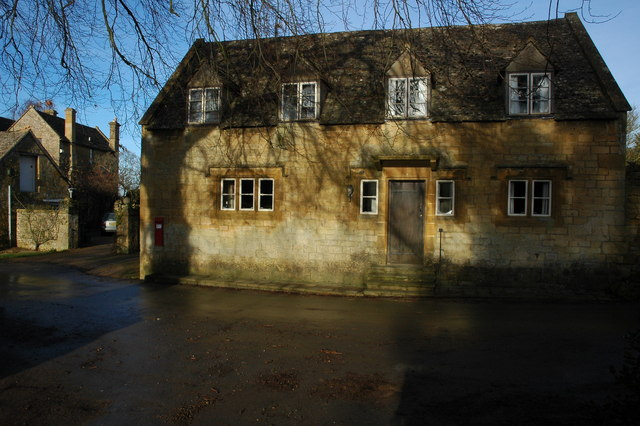 Cotswold stone cottage in Wood Stanway