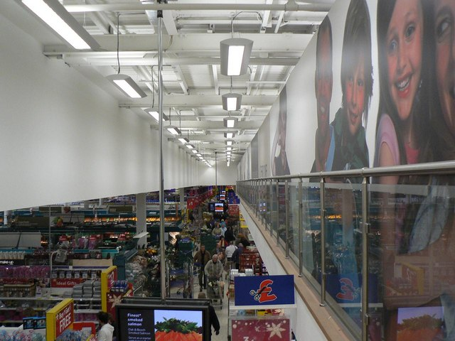 A busy Christmas Eve at Tesco