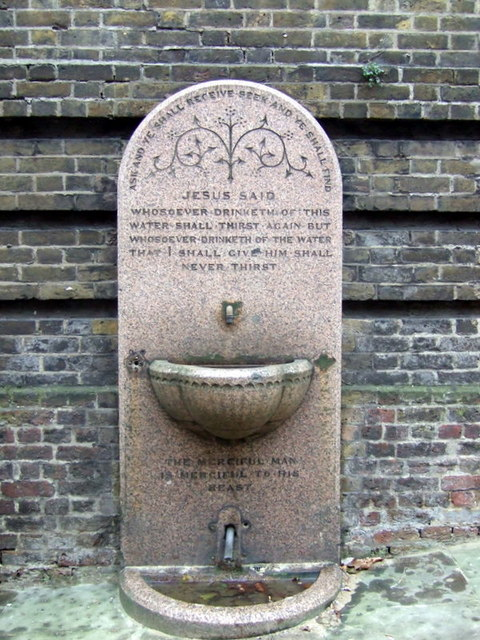 Drinking fountain, Rosslyn Hill: for man and beast