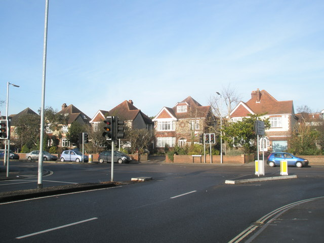 Traffic lights at junction of Eastern and Havant Road