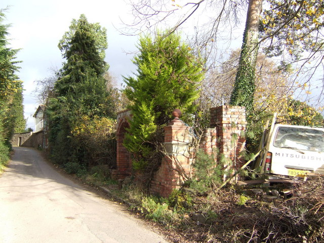 Lane by Llanvapley Court