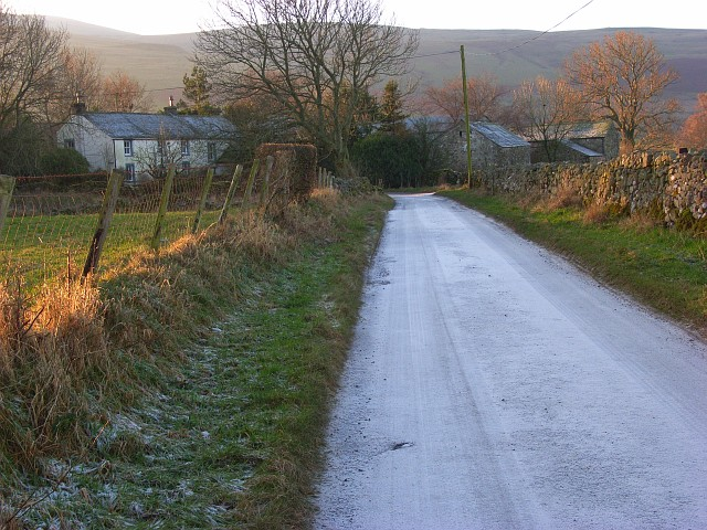 Road entering Nether Row