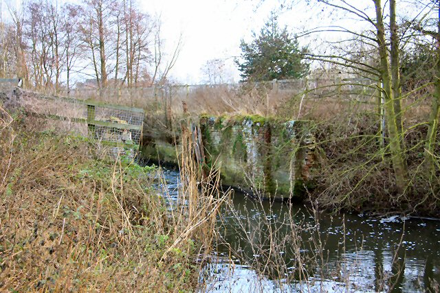Cherry Ground Lock, River Lark