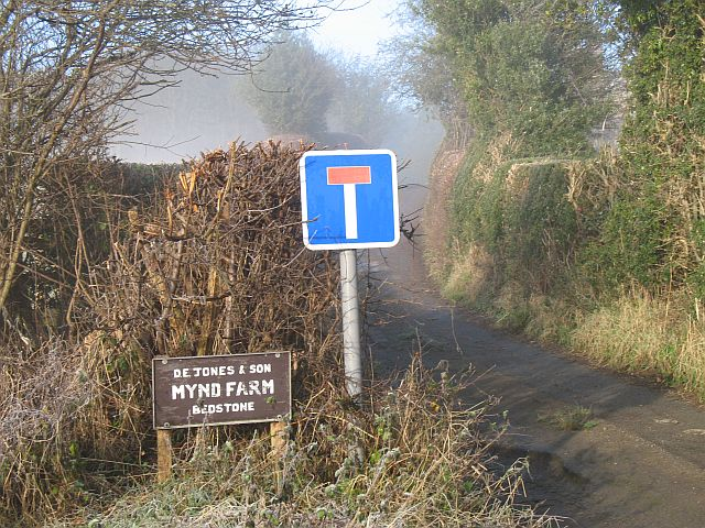 Mynd Farm entrance