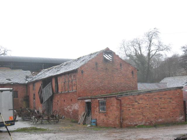 Old but dilapidated barn, Binweston