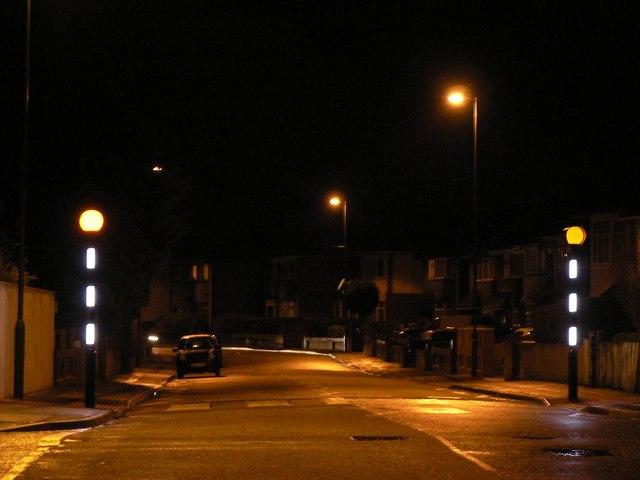 Winton: zebra crossing, Victoria Avenue