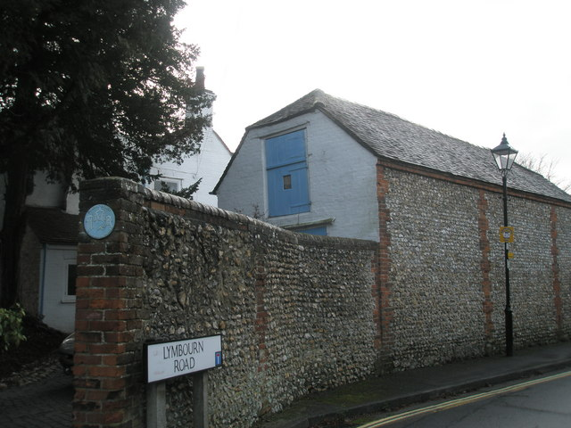 Former stable on corner of Lymbourn Road