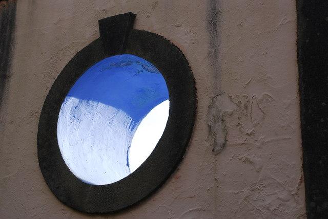 Ffenestr Gron Portmeirion Round Window
