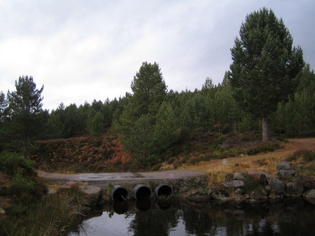 The Firmounth Road crosses the Burn of Skinna