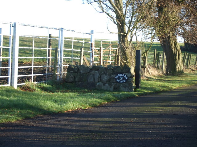 Access to Bonhard Place