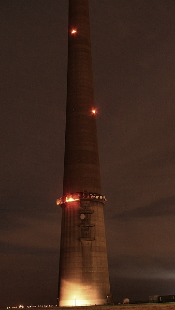 Emley Moor Mast at Night (2)