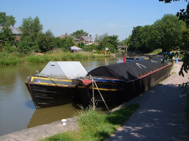 Trent and Mersey Canal, Anderton