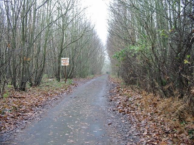 Private road to Hode Farm