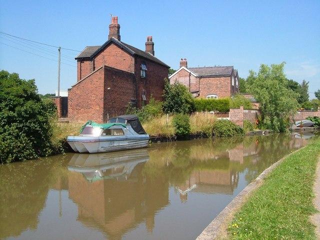 Trent & Mersey Canal, Anderton