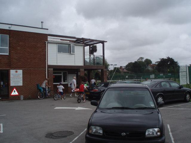 The Avenue Tennis Club
