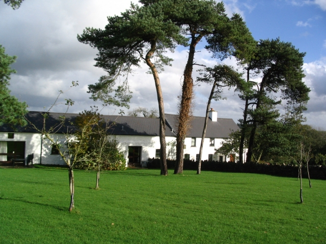 Llwyn-nwydog farm and holiday cottages