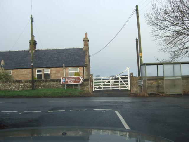 Junction for Blackness Castle
