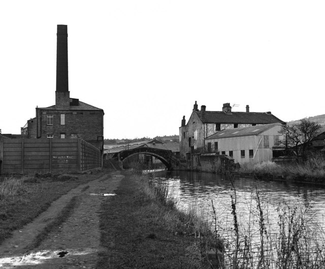 Junction Bridge 208, Leeds and Liverpool Canal, Shipley