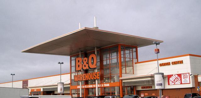 Entrance to the B&Q Warehouse St. Andrew's Quay Hull