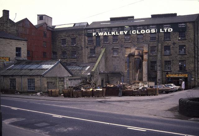 Walkley's Clogs, Fallingroyd