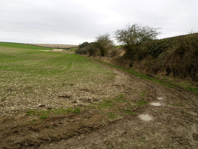 The footpath from Gare Gate to North Newbald
