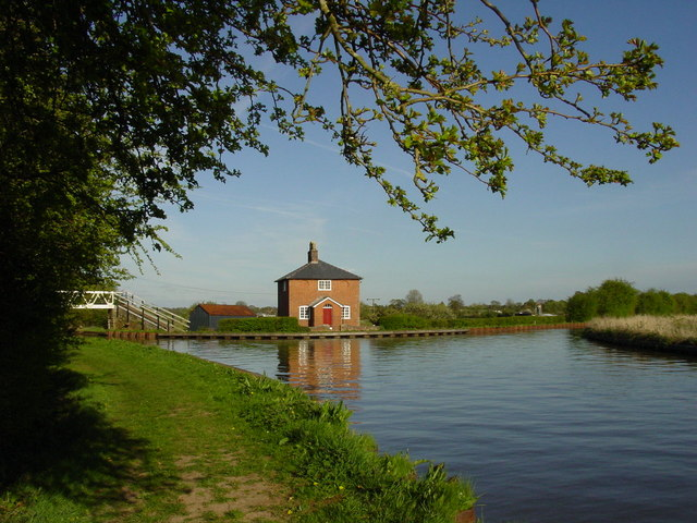 Shropshire Union Canal at Prees Branch Junction