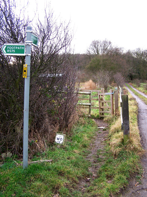 Footpath to Great Chattenden Wood