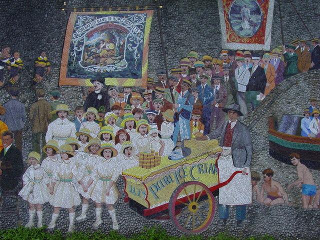 Wall mosaic, off Gladstone Street, Crosskeys