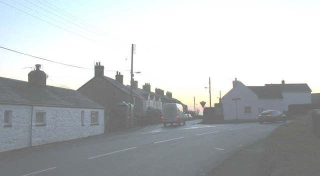 Pen-y-groeslon -  the turnoff to the village of Mynytho